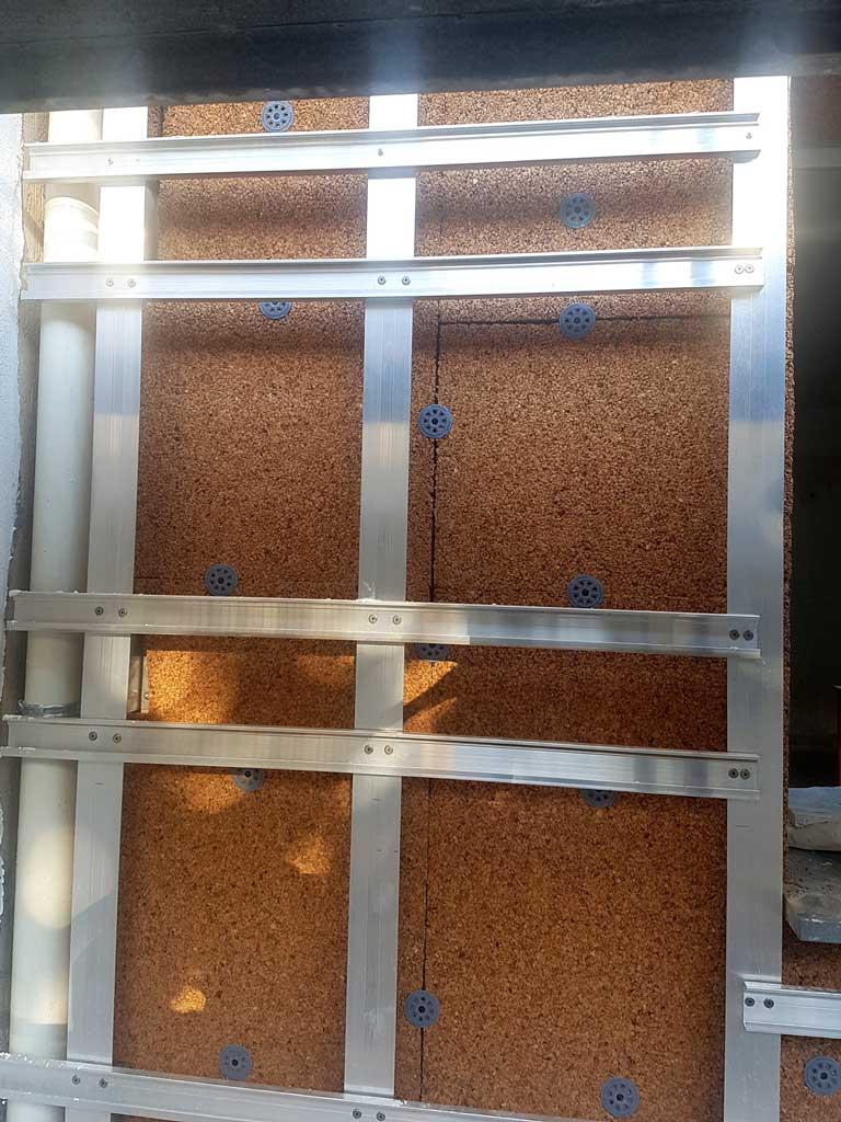 Paticolare della struttura in alluminio anodizzato