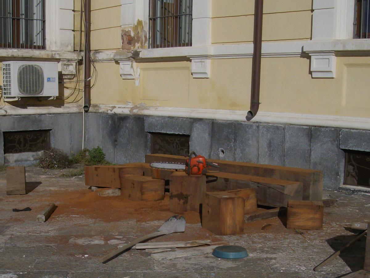 Travi in legno Azobè ad elevata resistenza meccanica e densità (non galleggia)