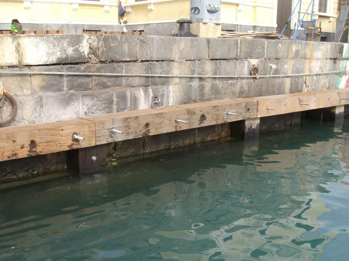 Bullonatura della struttura lignea con barre filettate in acciaio inox