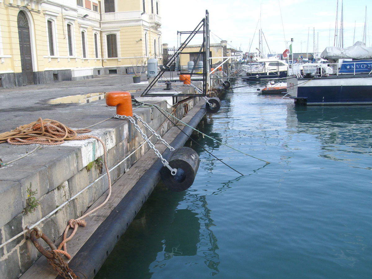 Lavori ultimati di sistemazione della banchina portuale Capitaneria di porto di CT